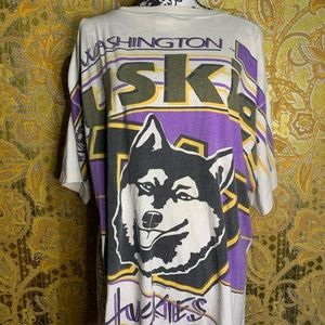 Vintage 90's UW Huskies Magic Johnson Tee